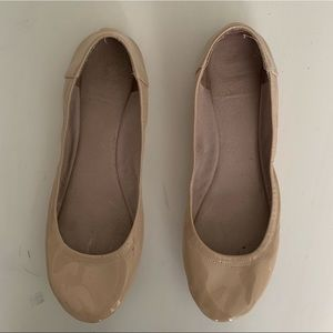 923fb644da Vince Camuto Flats & Loafers for Women | Poshmark